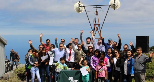 Convenio entre CONAF y Municipalidad de Llanquihue permitió la instalación en forma gratuita de una antena en el volcán Osorno.