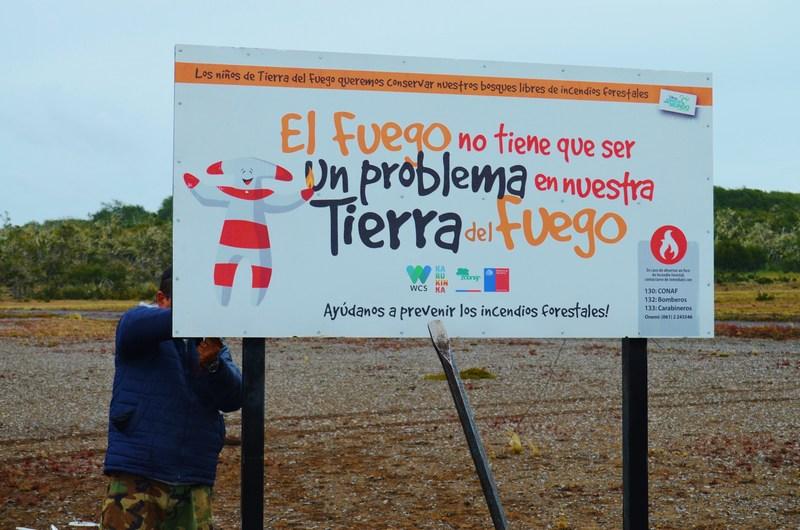 Señalética de prevención en Pampa Guanaco.