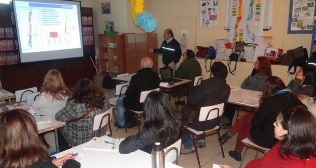 En la escuela Grecia de Valparaíso se desarrolló el taller teórico–práctico, certificado por el Ministerio de Educación.