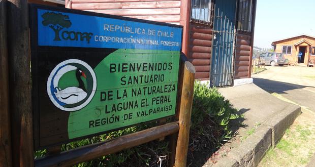 Santuario de la Naturaleza Laguna El Peral.
