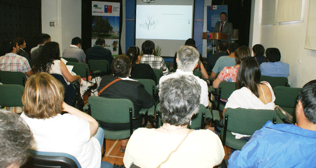 Seminario Importancia y Cuidado del Arbolado Urbano en dependencias del Salón Prat en la Intendencia Regional de O'Higgins en Rancagua.