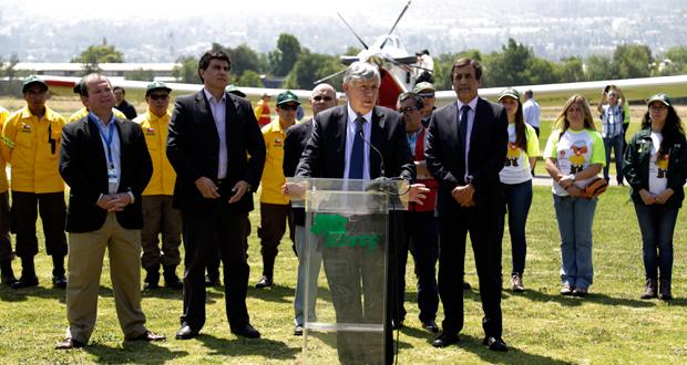 Para el ministro de agricultura, Carlos Furche, este nuevo avión es un complemento más a todas las acciones del Gobierno en mejorar la prevención y combate de incendios forestales.