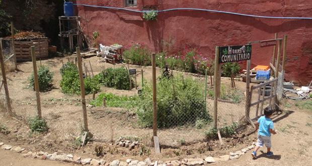 """parque ecológico """"Escuela 36"""" en un terreno antiguamente abandonado a su suerte y usado como microbasural."""
