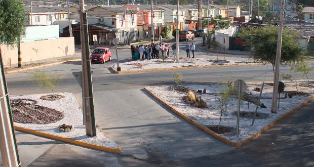 Fueron cerca de tres meses de trabajo los que permitieron limpiar la basura, emparejar el terreno e instalar diversas plantas y rocas de la zona.