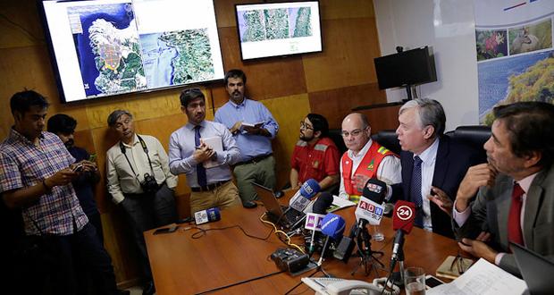 El Ministro Furche valoró esta herramienta que se suma al aumento de aeronaves durante el Gobierno de la Presidenta Bachelet, de 6 aviones y 1 helicóptero, que conforman la flota de CONAF, además de 9 helicópteros arrendados para combatir este tipo de siniestros.