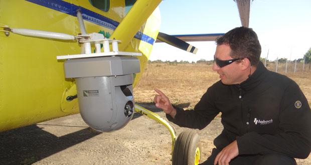 CONAF contrató este avión de comunicación y observación Cessna Skymaster 337, de origen estadounidense, el cual funcionará hasta el 2020 en la región de Valparaíso.