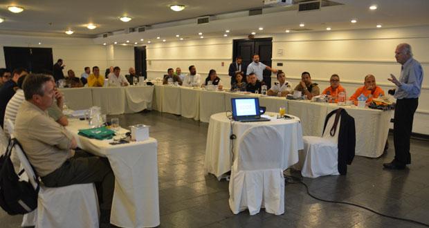 CONAF asumió el compromiso de realizar cinco versiones de este curso, desarrollando el contenido docente, aportando instructores calificados, organizando las clases y las giras, como también la gestión de toda la logística.