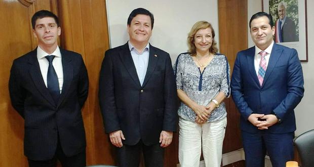 En la reunión también participaron la gerenta de Protección contra Incendios Forestales de CONAF, Aída Baldini, y el comisario Cristián Gutiérrez, de la Jefatura Nacional de Delitos Económicos y Medio Ambiente de la PDI.