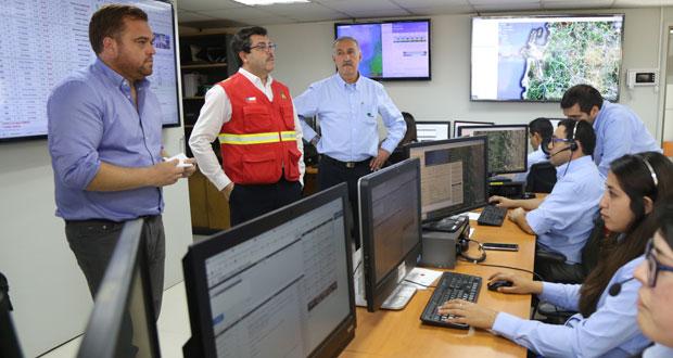 Intendente del Biobío, Sergio Giacaman, se trasladó hasta las nuevas dependencias de la Central de Operaciones de CONAF para conocer la labor que realiza este equipo profesional.