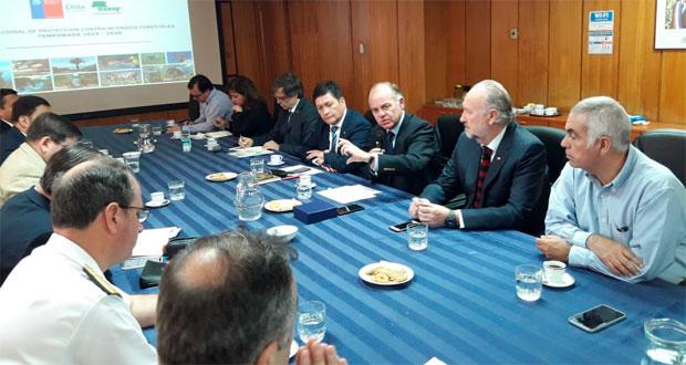 En reunión de coordinación de la mesa interinstitucional se informó que estas tres aeronaves se suman a otras 52 dispuestas por el Gobierno de Chile.